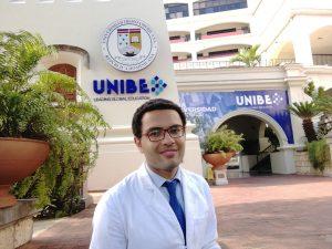 Basel Magdy Abdelmohsen Abdelazeem, Ain Shams University student in front of UNIBE